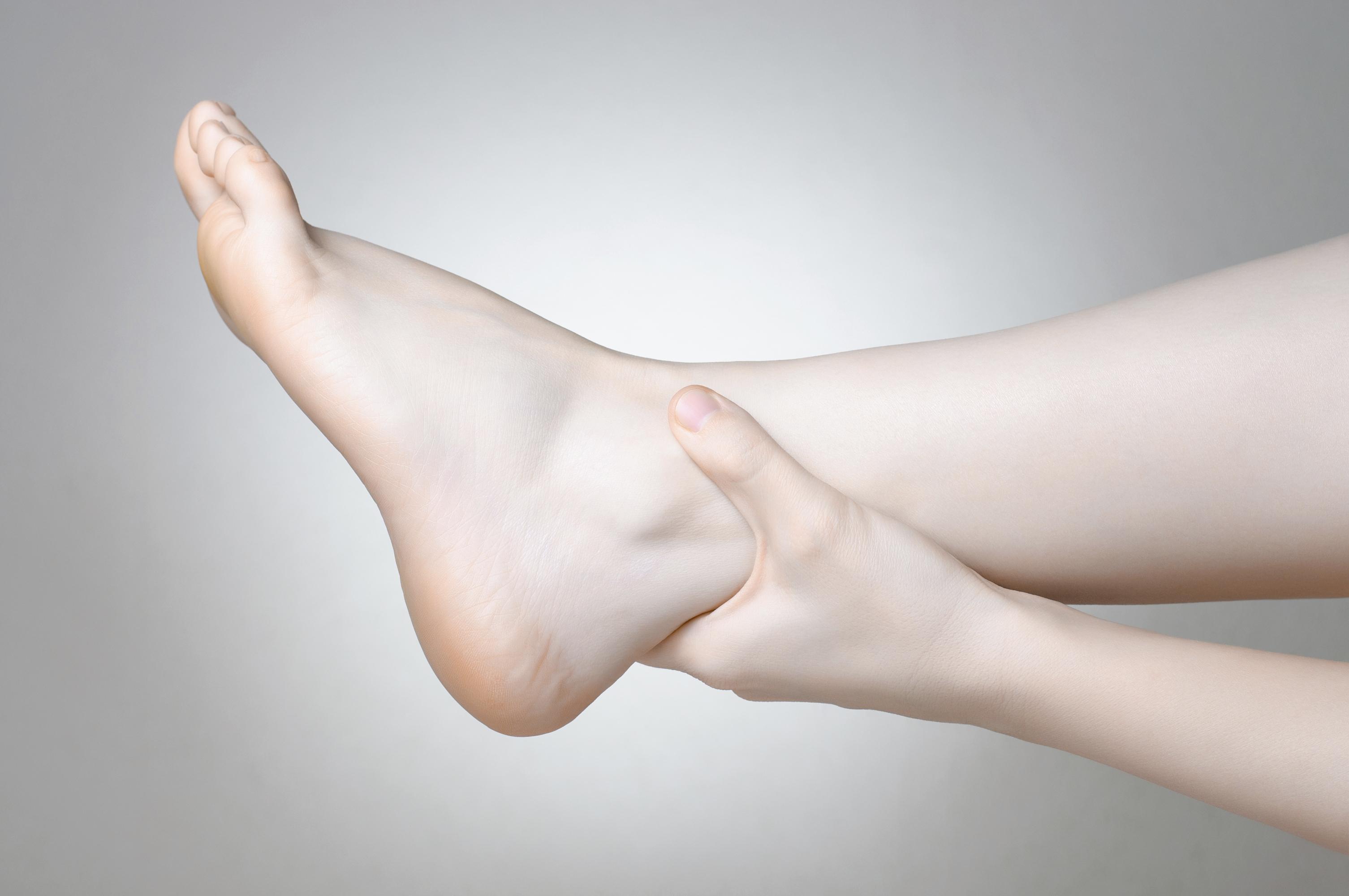 şişmiş ayak bileği