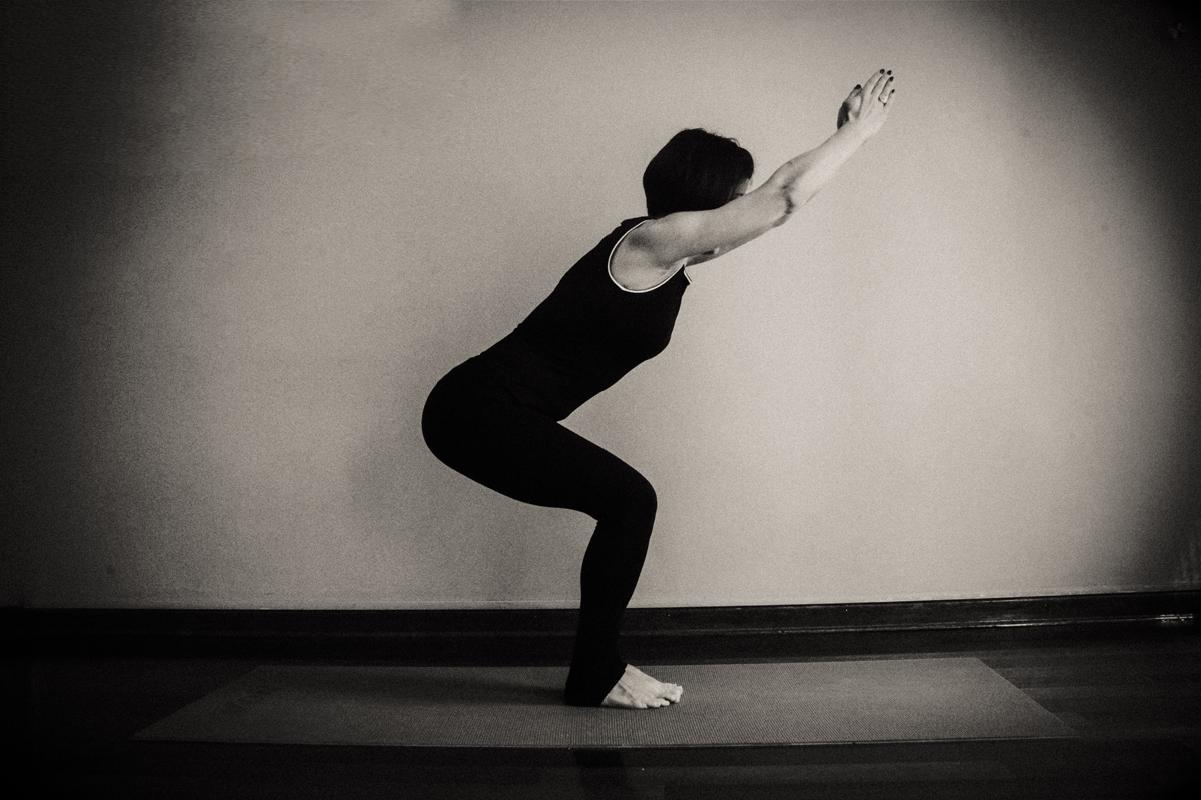 yoga sandalye pozu