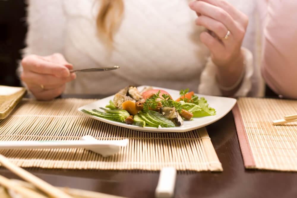 daha küçük öğünlerle beslenmek