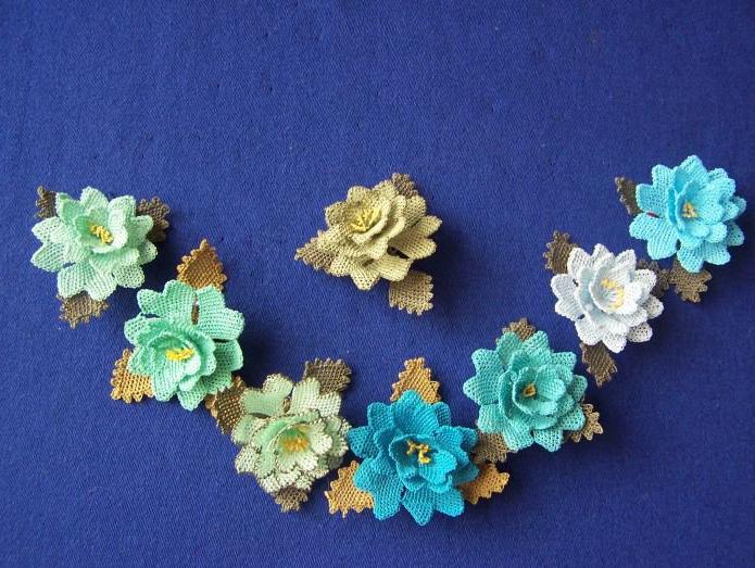 iğne oyası pastel çiçekler