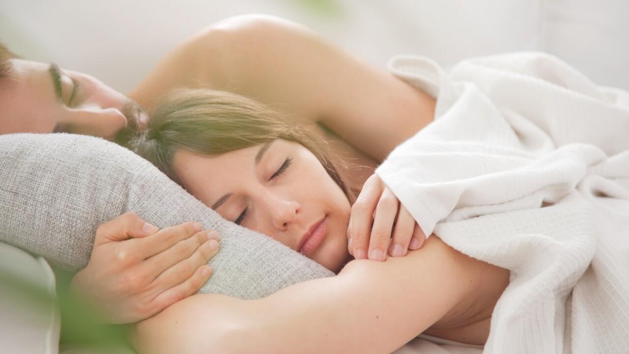 Uyuyan çiftler